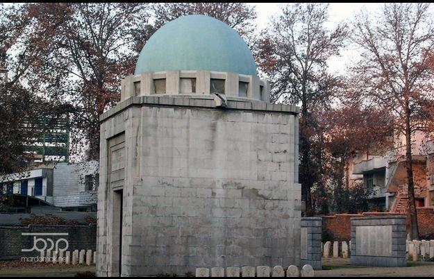 گورستان متفقین در جنوب باغ سفارت بریتانیا