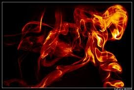 مرد شکاک دوستش را آتش زد