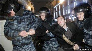 معترضان به نتیجه انتخابات پارلمانی روسیه: تظاهرات ادامه خواهد یافت