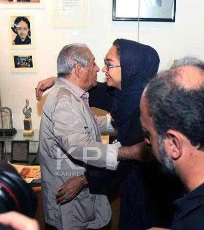 در آغوش گرفتن عزتالله انتظامی توسط نیکی کریمی و واکنش گسترده ...