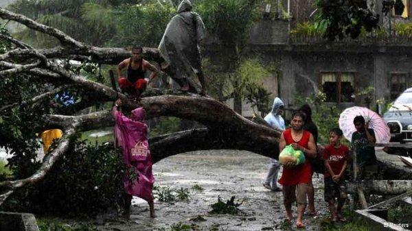 """تلفات توفان """"بوفا"""" در فیلیپین به بیش از هزار نفر رسید"""