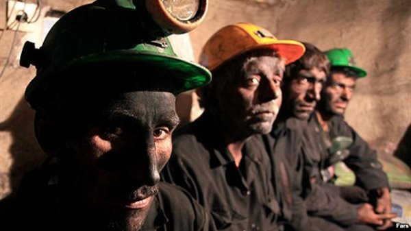 شمار امضاکنندگان نامه اعتراضی به وزیر کار به «۳۰ هزار» نفر رسید