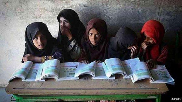 وضعیت اسفناک مدارس فرسوده در ایران