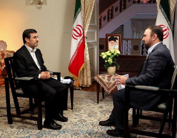 ادامه انتقادها از گفت و گوی تلویزیونی احمدی نژاد به مجری هم رسید؛ دریغ از یک سوال!