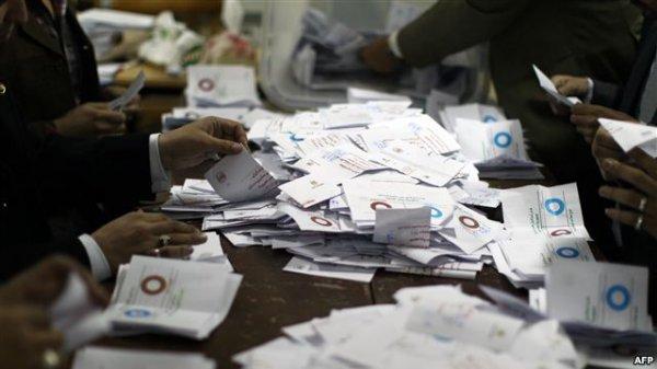 «۶۴ درصد» از رایدهندگان مصری به قانون اساسی جدید «آری» گفتند