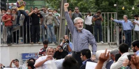 احمد علمالهدی اظهارات خود درباره میرحسین موسوی و مهدی کروبی را پس گرفت