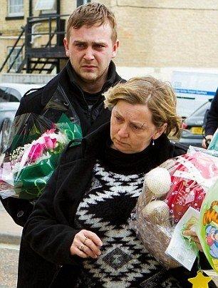 زن جوان، خود و فرزندانش را به خاطر خیانت شوهرش کشت