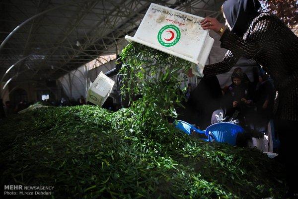 توزیع بزرگترین طبخ نذری دنیا پس از هشت ساعت به پایان رسید + عکس صف آش